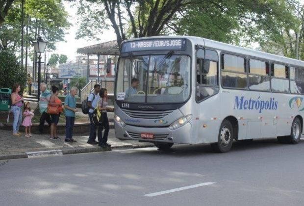 Embarque e desembarque de mulheres, idosos e deficientes físicos em locais mais seguros, mesmo fora do ponto de ônibus, é aprovado na Câmara Municipal