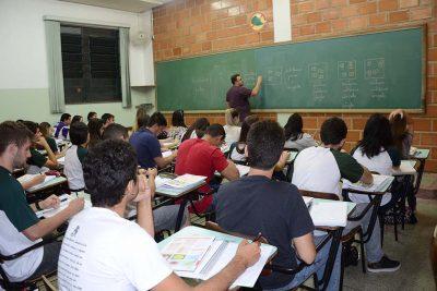 Educação convoca alunos para o cursinho
