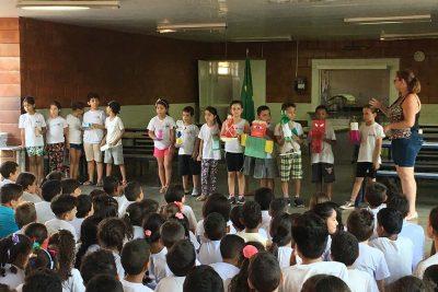 Escola desenvolve projeto utilizando materiais recicláveis