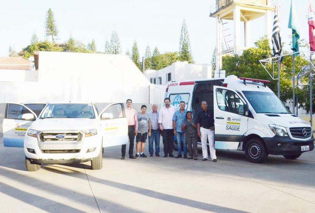 Jacob apresenta nova ambulância e veículo para transporte de medicamentos e vacinas