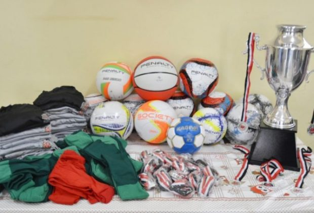 Esporte do município recebe kits esportivos do Governo do Estado