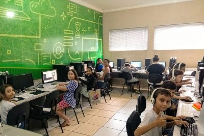 Escola + Bonita recupera estabelecimentos de ensino inclusive durante férias