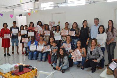 Secretaria de Desenvolvimento Social capacita 40 pessoas em cursos de geração de renda