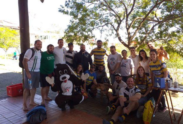 Ação entre Jaguars Rugby e Xodó de Bicho arrecada ração para animais da ONG
