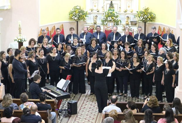 Coral Cidade de Itapira faz concerto neste domingo