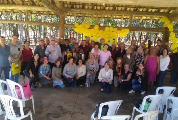 Confraternização de Dia dos Pais reúne cerca de 60 idosos no Centro Dia