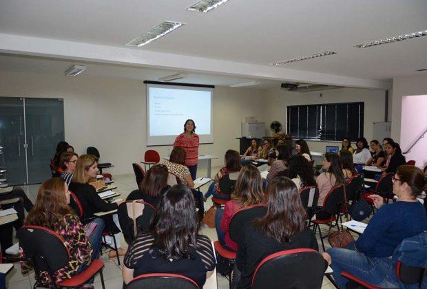 Gestores e professores dos CEIs participam de formação