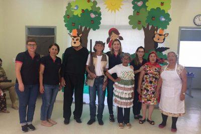 """Centro Dia do Idoso promoveu """"Encontro com Netos"""""""