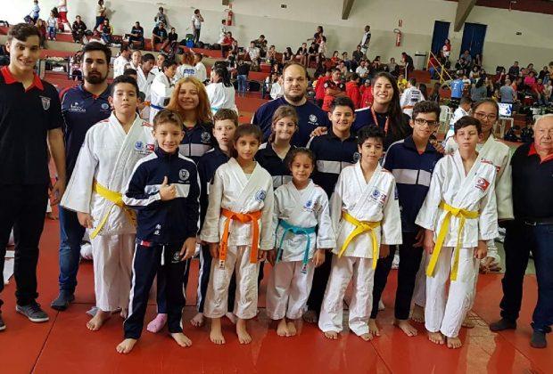 Judô de Amparo conquista troféu em Itapira