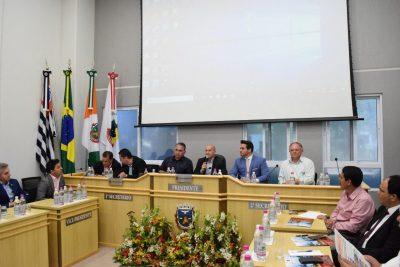 6° Reunião do Parlamento reúne vereadores da RMC na Câmara Municipal de Holambra