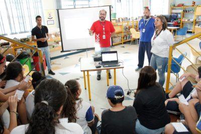 ESTUDANTES DE ESCOLA MUNICIPAL DE JAGUARIÚNA TÊM DIA DEDICADO À LIBRAS