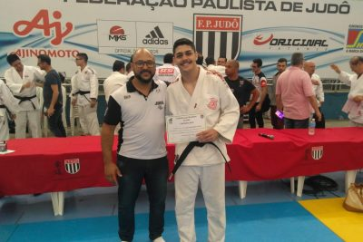 Judoca jaguariunense conquista faixa preta
