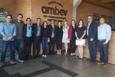 Escola de Negócios da UniFAJ reúne empresários e executivos de empresas globais e do Brasil