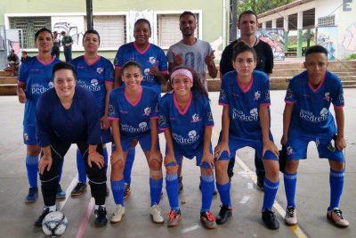 Equipe de Futsal Feminino de Pedreira assegura vaga nas semifinais do Campeonato Regional de Amparo
