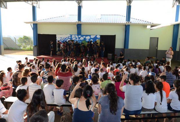 EMEBs de Itapira concluem oficinas de teatro