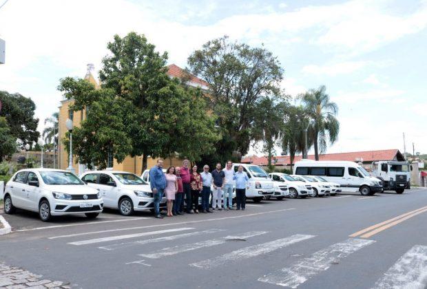 Secretarias recebem 13 novos veículos