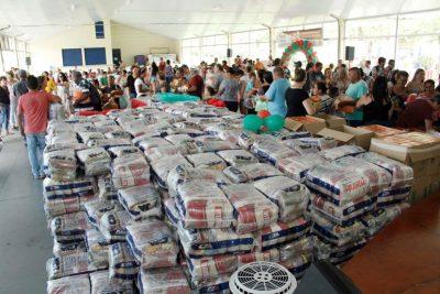 Prefeitura de Jaguariúna entrega 500 Kits de Natal a famílias em situação de vulnerabilidade econômica