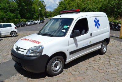 OR – Secretaria de Saúde de Pedreira recebe nova Ambulância