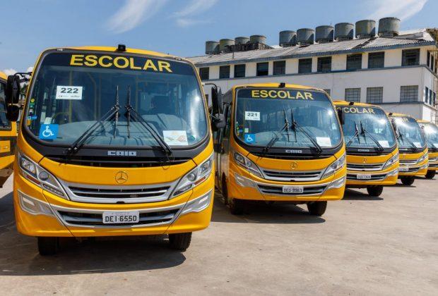 OR – Prefeitura de Itapira recebe novo ônibus para transporte de alunos