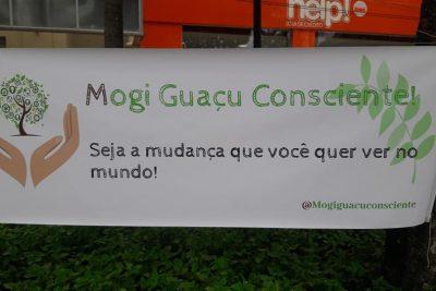 """Parceria entre SAAMA e grupo Mogi Guaçu Consciente entrega """"vale árvores"""" a moradores"""