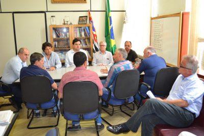 OR – Prefeito Hamilton Bernardes e vice-prefeito Fábio Polidoro reuniram-se com a diretoria e associados do Sindilouça