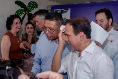 O vereador Silva entregou documento ao Governador João Doria solicitando a regionalização da CROSS