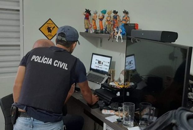 Polícia cumpre mandado em Limeira durante operação contra pornografia infantil