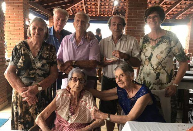 Familiares e amigos comemoram o centenário de dona Dirce Ciluzzo