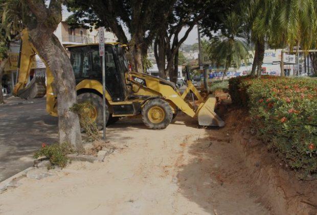 Prefeitura de Jaguariúna faz obra de melhoria em calçamento da praça Umbelina Bueno