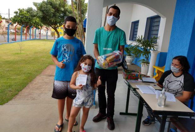 Educação entrega 5.137 kits de alimentação para alunos de Itapira