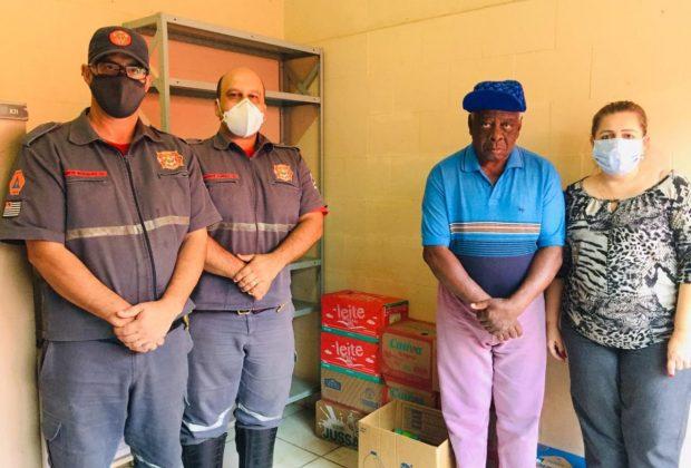 Agentes da Defesa Civil fazem doação ao Lar São Vicente
