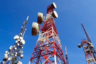 Brasil alcança 100 mil antenas de telefonia e internet móvel e precisa de muito mais