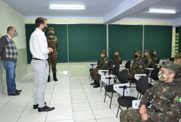 Tiro de Guerra de Pedreira recebe a visita do deputado estadual Tenente Coimbra
