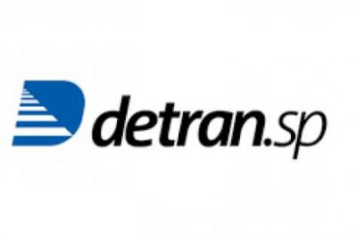 Detran.SP promove drive thru para entregar documento de veículos