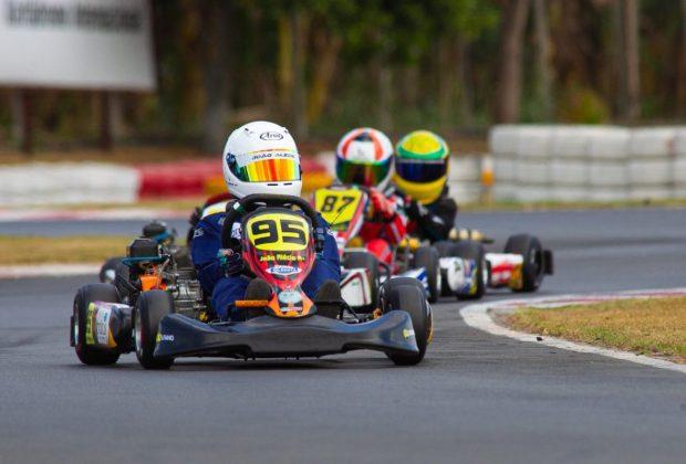 Piloto de kart de Paulínia faz corrida de recuperação marcante na Copa F-Racers 2020