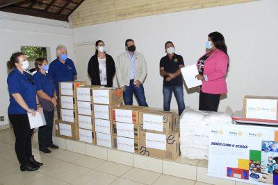 Secretaria de Saúde de Jaguariúna recebe doação de EPIs da Associação dos Rotary Clubs