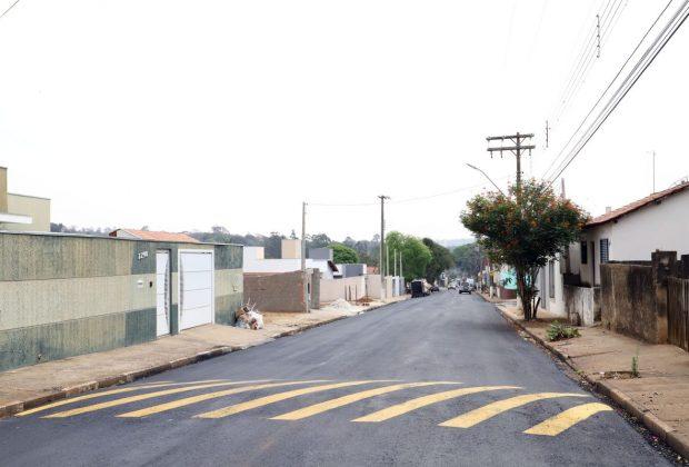 Avenida Luiz Pilla, em Martim Francisco, é recapeada