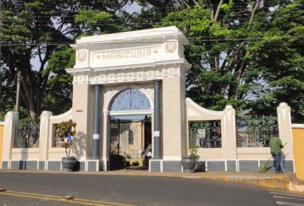 Cemitérios de Itapira estão sendo preparados para o feriado de Finados