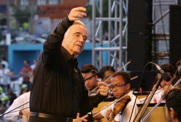 Espetáculo com maestro João Carlos Martins tem transmissão ao vivo neste domingo