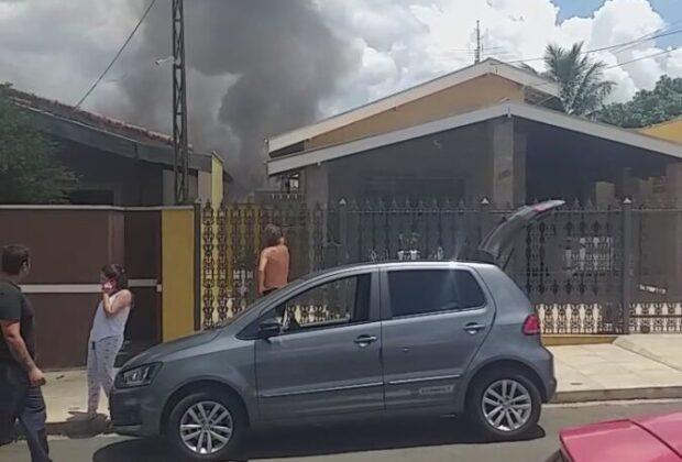 Residência tem início de incêndio no Jardim Pedra Branca em Santo Antônio de Posse