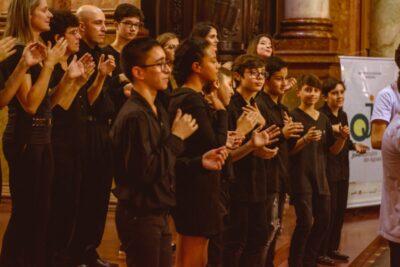 Orquestra Jovem Circuito das Águas de Amparo-SP lança vídeo 'Tecendo Histórias, Costurando Notas'