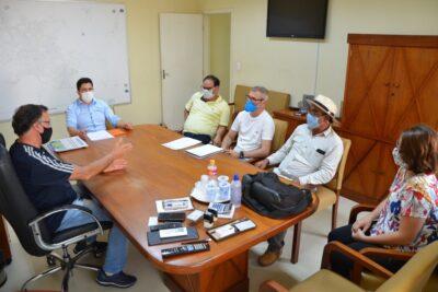 Próximas etapas de novo aterro são discutidas em reunião