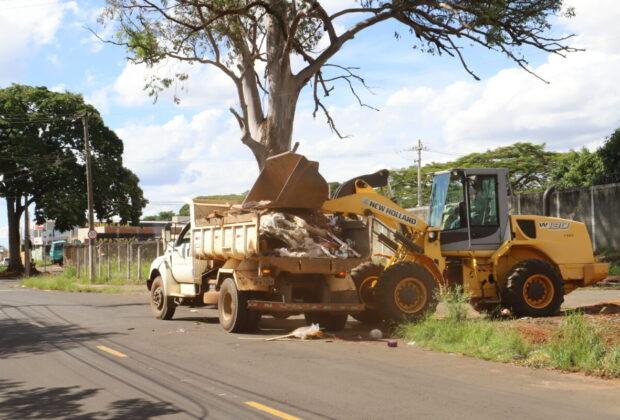 Equipes da Prefeitura de Mogi Mirim trabalham em reparos emergenciais após temporais