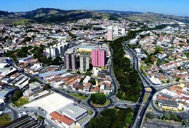 Decreto proíbe o estacionamento de veículos de turistas por dois fins de semana, em Amparo