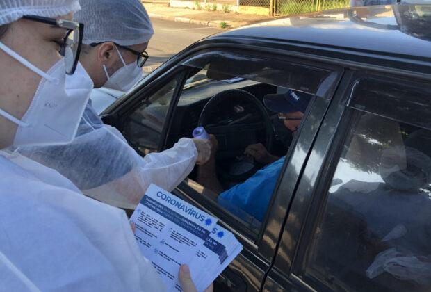 Barreiras sanitárias em Artur Nogueira orientam 30 mil motoristas em dois finais de semana