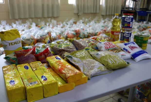 Prefeitura de Holambra distribui kit alimentação escolar