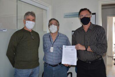 Prefeito e Secretário protocolam pedido de vacinas para atender outros profissionais de saúde