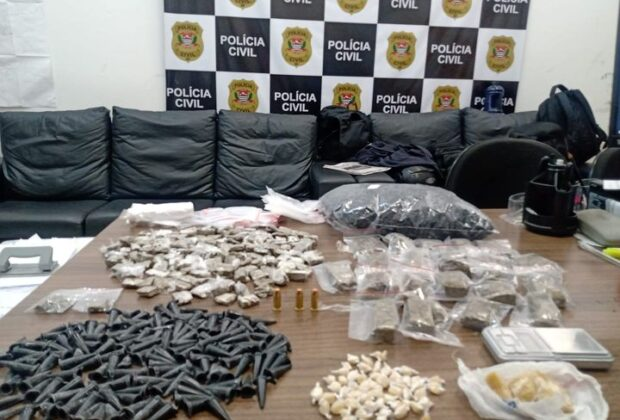 Polícia Civil de Pedreira faz uma grande apreensão de drogas em um bairro do município