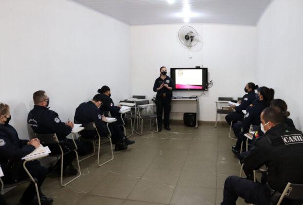 Guardas de Estiva Gerbi e Mogi Guaçu recebem capacitação da Patrulha Maria da Penha