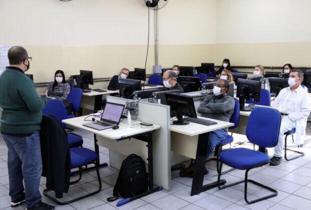 Médicos da Atenção Básica passam por treinamento para implantação de prontuário eletrônico
